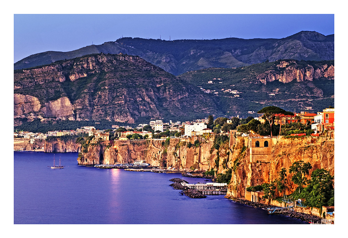 http://4.bp.blogspot.com/-DX5y5BGz7IA/T98wJ7ZooTI/AAAAAAAABh0/_4jUW72m4R4/s1600/sorrento_at_sunset.jpg