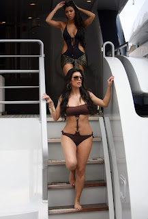 High Quality Images of Kim Kardashians in Bikini