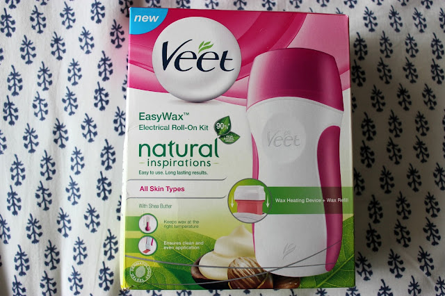 Picture of Veet Natural Inspirations EasyWax Electrical Roll-On Kit