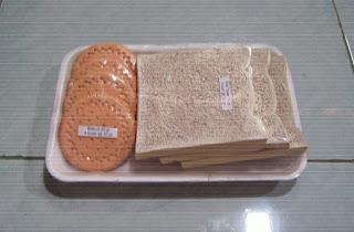 Model_Replika Sumber Karbohidrat_ Roti_Biskuit