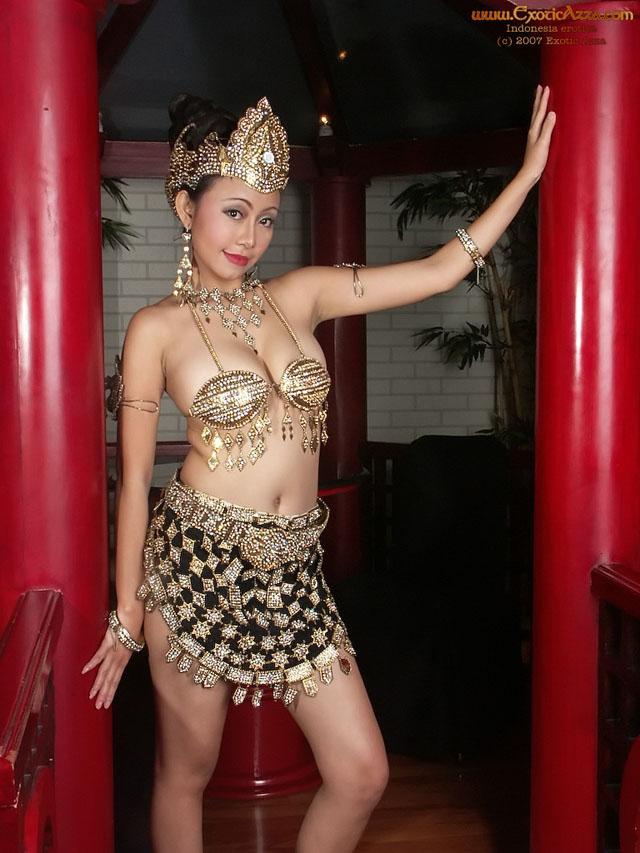 Dinda Indonesian Nude Photos