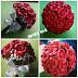 Buquê médio de rosas vermelhas com strass, mosquitinhos e cetim