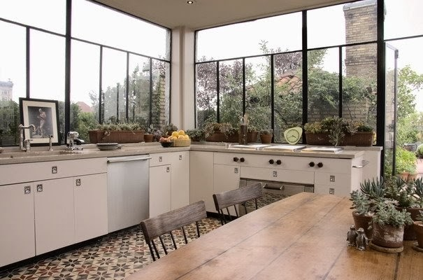 pellmell cr ations une verri re dans la cuisine. Black Bedroom Furniture Sets. Home Design Ideas