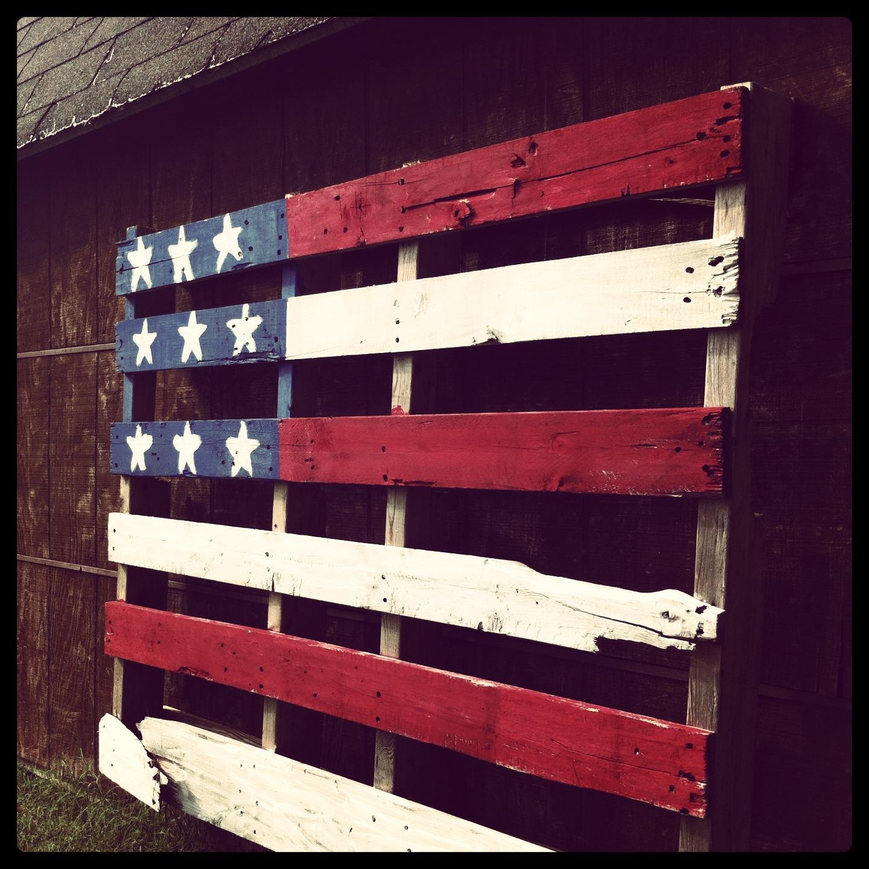 The creamer chronicles pallet art - American flag pallet art ...