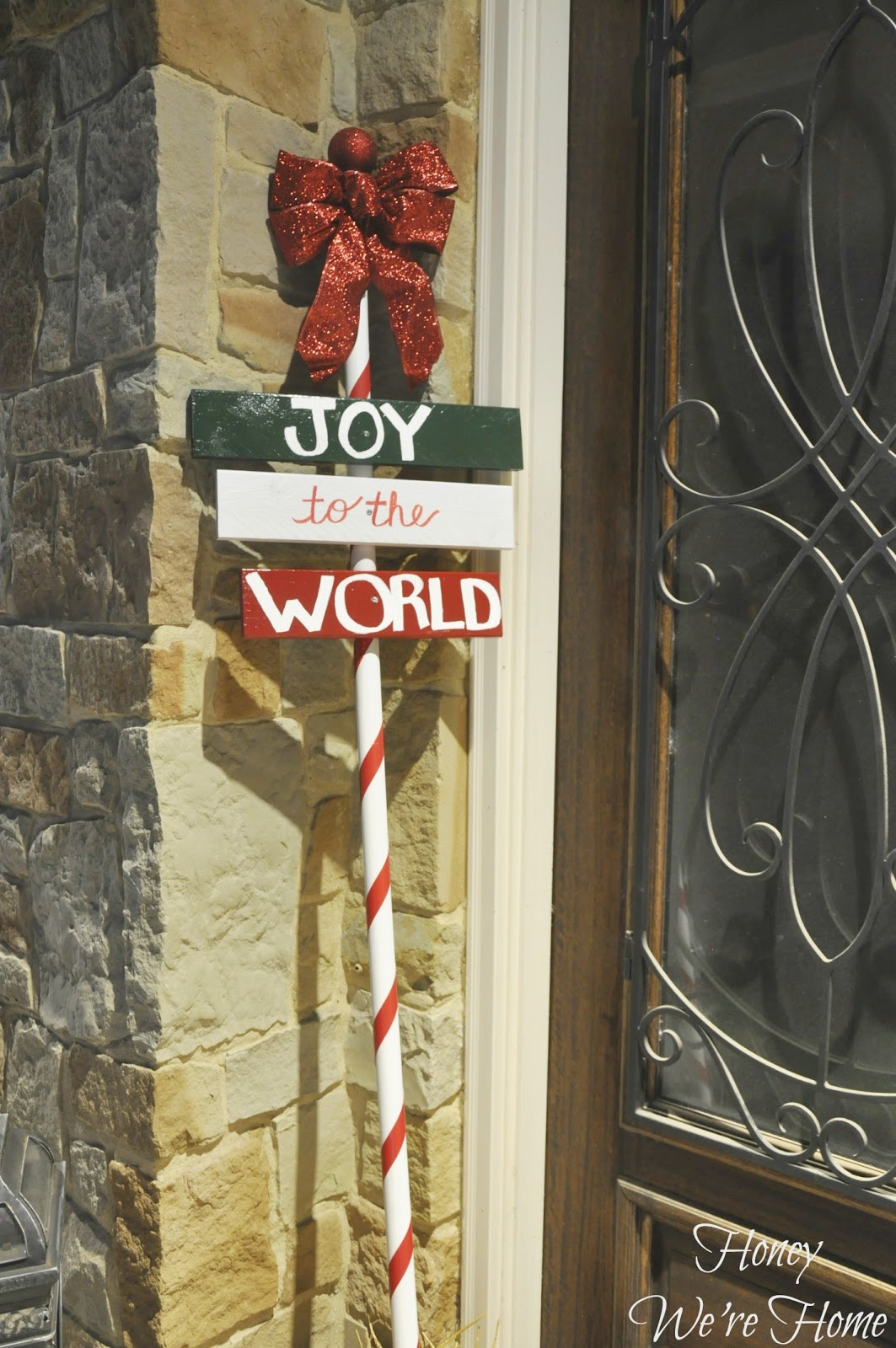 Christmas craft diy outdoor holiday sign honey we 39 re home for Outdoor christmas signs