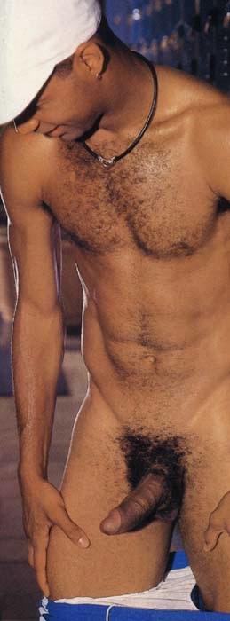 Modelos desnudas teniendo sexo con hombres desnudos