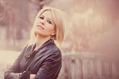 Dido press pic girl who got away photo session