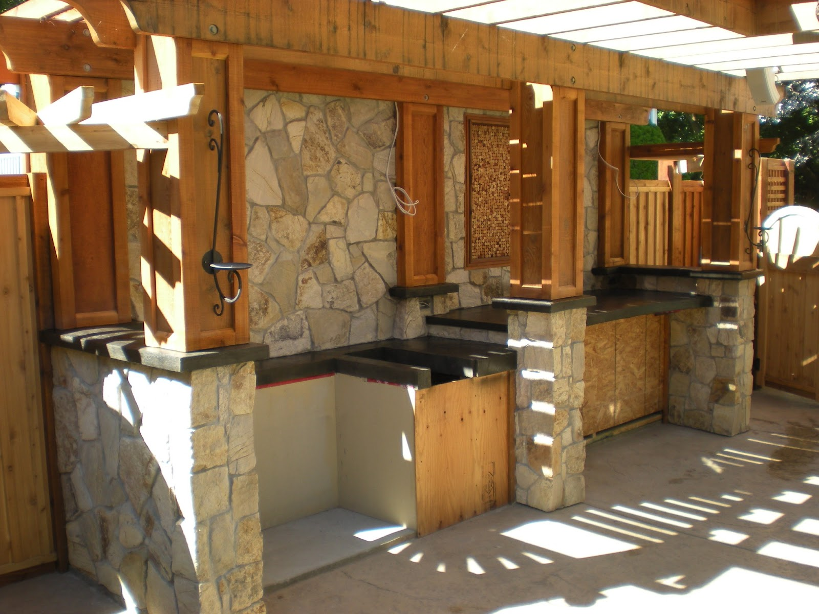 Outdoor Kitchen with Concrete Block