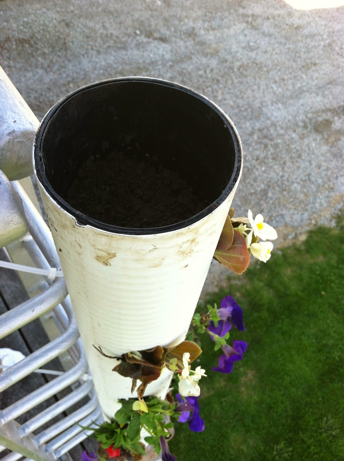 vertical pvc planter