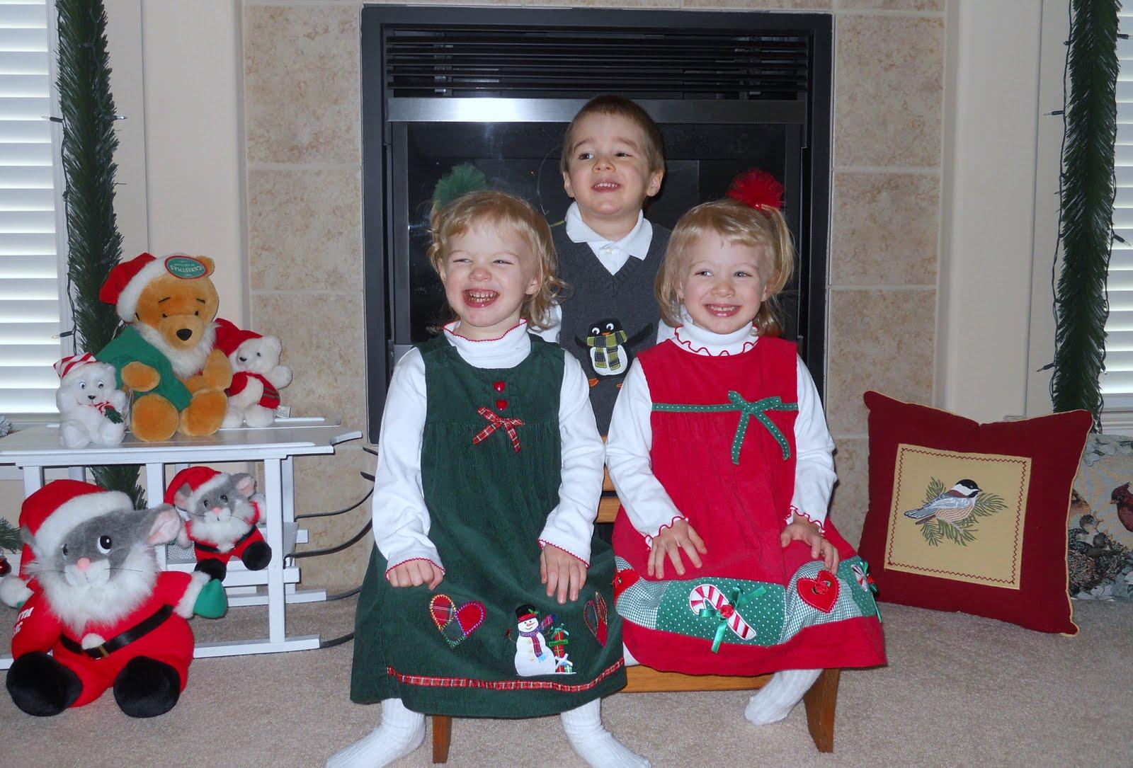http://4.bp.blogspot.com/-DZF6b-_vfnw/Tu5wSyQ0fgI/AAAAAAAAAT0/eUF4rCnFsU0/s1600/Christmas%2B2011.JPG