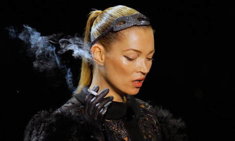 louis vuitton kate moss 2011. Kate Moss sizzled and stunned