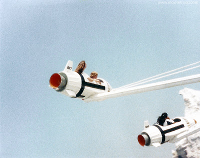 Rocket Jets Disneyland Tomorrowland old 1983 spinning ride