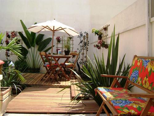 jardim quintal grande:Rôarteira®: Casa com quintal decorado..meu sonho