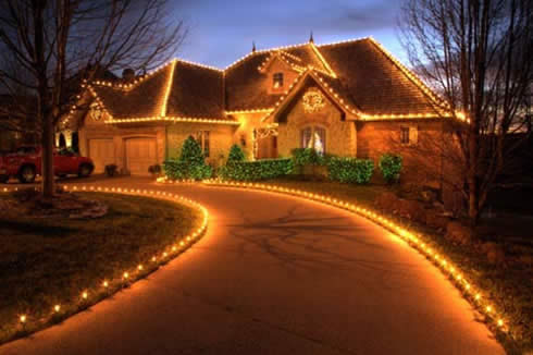 Volleyball vagabond christmas around the world for Beautiful homes decorated for christmas