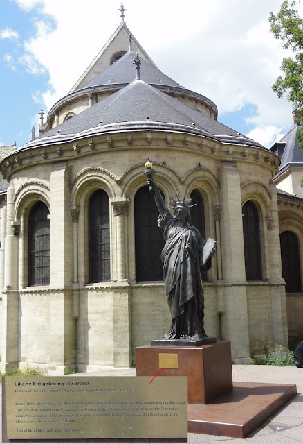 """Statue of the Liberty at the """"arts et métiers"""" museum"""