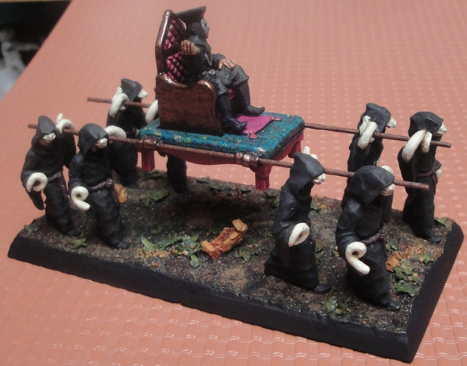 Une figurine Ral Partha de la gamme Tekumel
