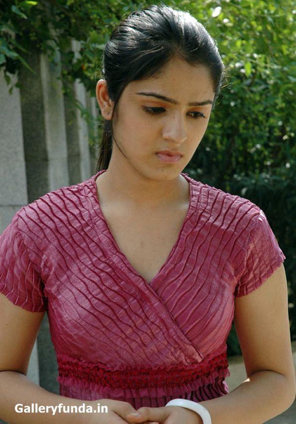 movie galli kurrallu heroine shefali sharma hot n cute looking photos ...