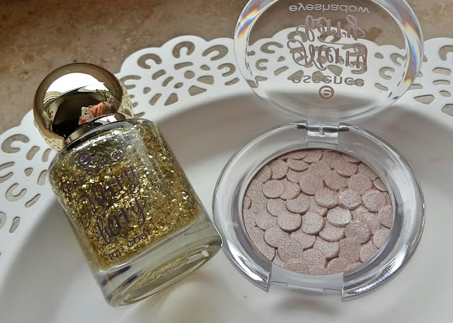 essence Marry berry eyeshadow the perfect dress