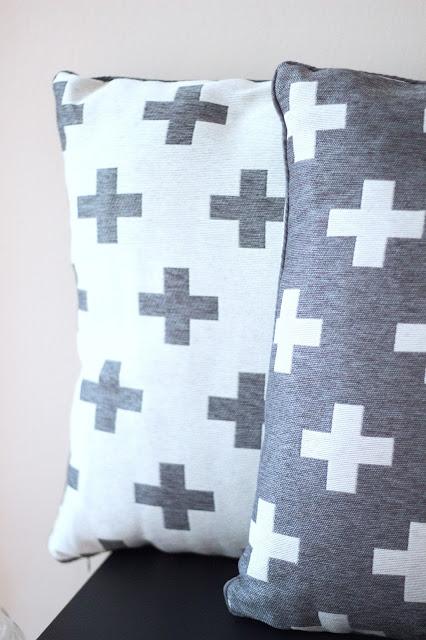 Kissen mit Kreuz von Primark
