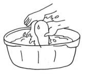 Mencuci singkong