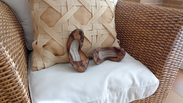 http://choco-chic.blogspot.com.es/2015/08/travel-shoes-magrit.html