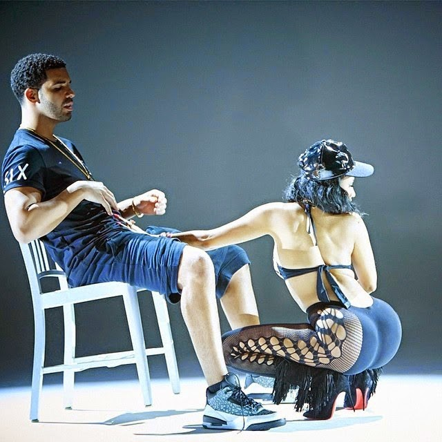 [Photo] Nicki Minaj Goes ALMOST Naked And Places Her Palm On Drake's D*ck!! Oh My Gaaaarrrd!