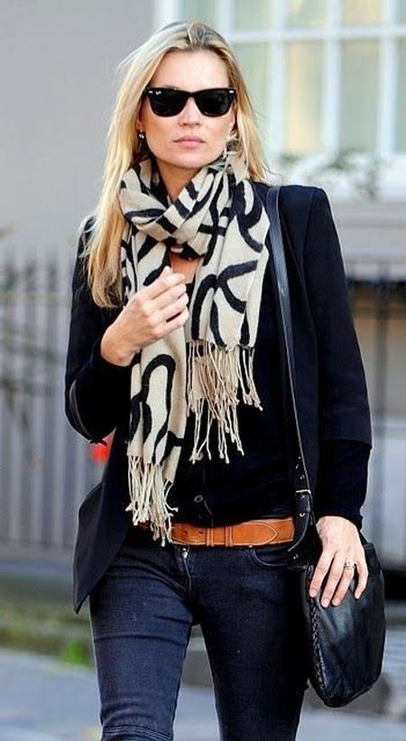 Kate Moss stylish street style outfit with big pattern scarf