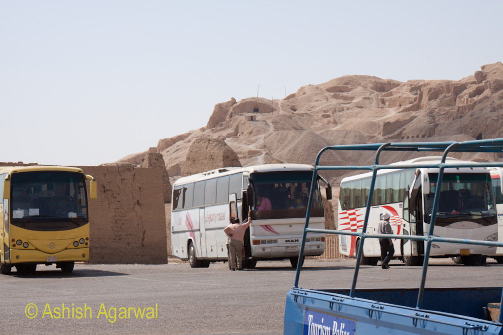 Parking of buses at the Valley of the Kings outside of Luxor