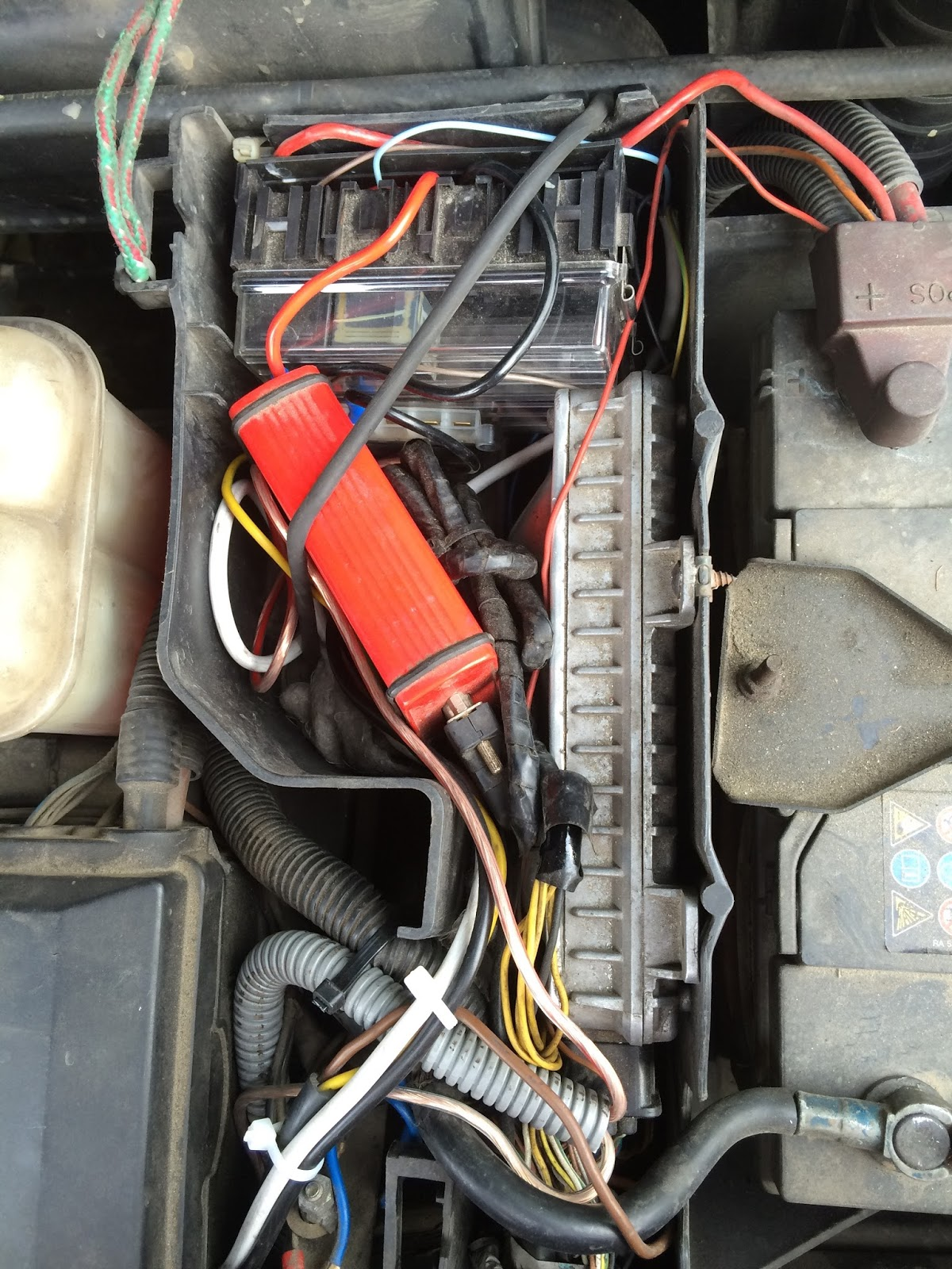 Land Rover Discovery 2 My 2000 2015 100 Fuse Box No Comments