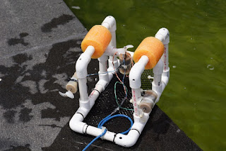 Submersible from PVC pipe and hobby motors.