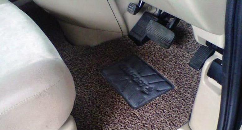 Cara Merawat Karpet Dasar Mobil Dengan Mudah