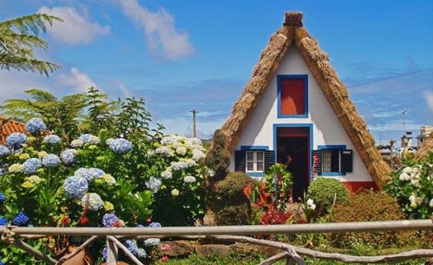 Tradicional house Santana