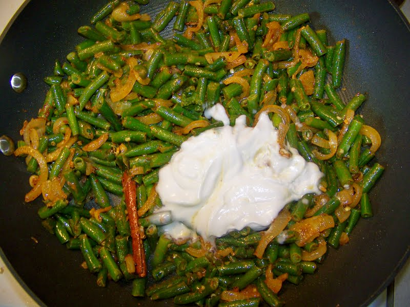 Kitchen simmer sri lankan green bean curry next add your coconut milk or cows milk cook for another 5 7 minutes you want to taste for salt and seasoning here once the green beans are very forumfinder Image collections