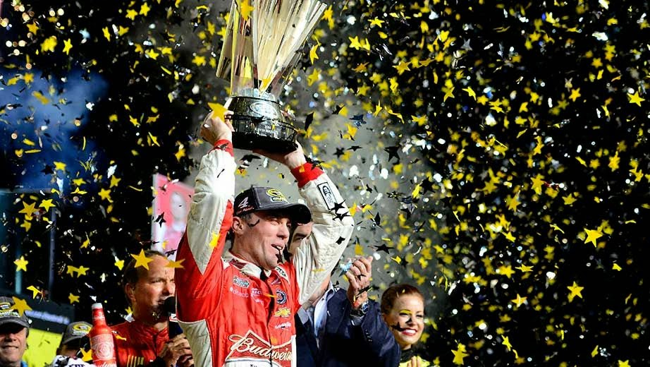 Kevin Harvick wins his first NASCAR Sprint Cup Series championship.