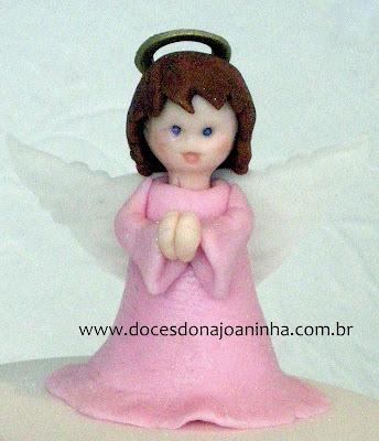 Anjinho em rosa para decoração de bolos de batizado