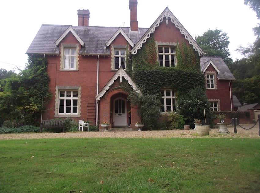 SAHLENSKA HUSET På engelska landsbygden!