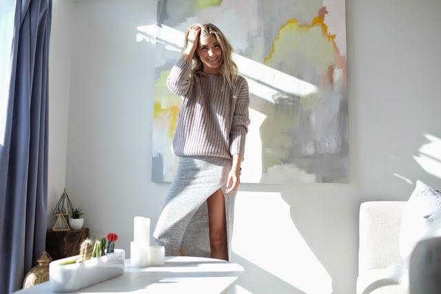 Oak and fort sweater, Grey Aritzia Skirt