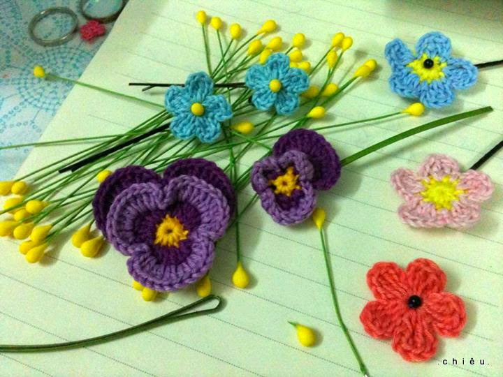 Grannys Crochet Pansy  Look At What I Made