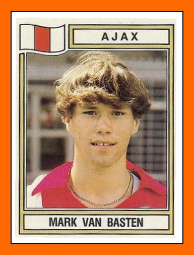 Anniversaires - Page 41 Marco+Van+BASTEN+Panini+Ajax+Amsterdam+1983