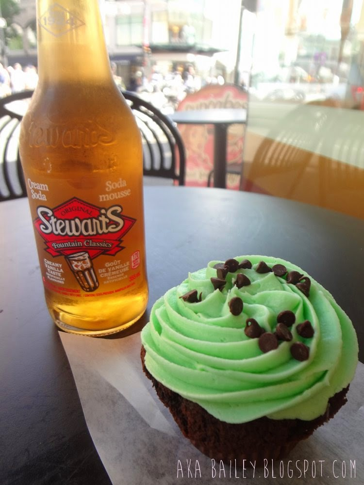 Stewarts Cream Soda and a Mint Chocolate cupcake