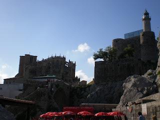 Iglesia y castillo de Castrourdiales