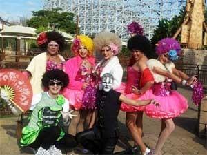 Esquadrão das Drag Queens chega ao Gay Day no parque de diversões (Foto: Bruna Stuppiello)
