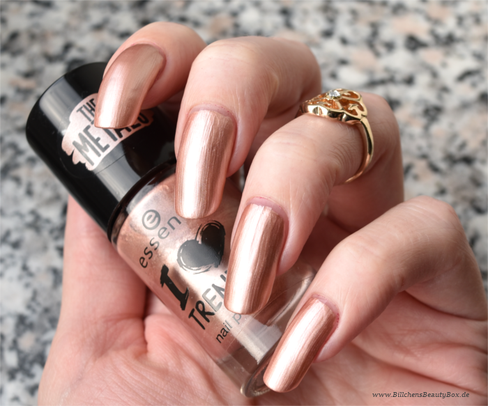 essence The Metals Rose Beats Swatch