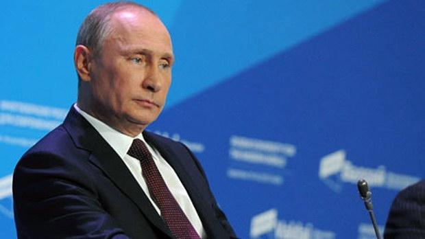 Πούτιν: Ποιος διάολο εξόπλισε το ISIS και ποιος αγοράζει το πετρέλαιο τους;