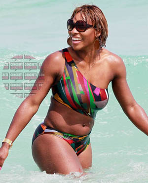 serena_williams_beach2