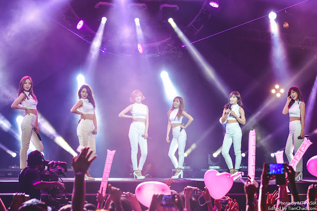 Apink performing at MTV World Stage Malaysia 2015 on 12 Sep Pic 3 (Credit - MTV Asia & Kristian Dowling)