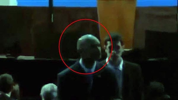 ¿El Guardaespaldas de Obama es un extraterrestre?
