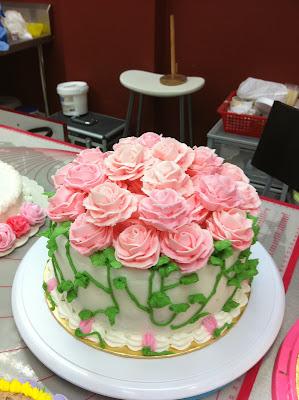 home may 39 de cakes wilton cake decorating course 1. Black Bedroom Furniture Sets. Home Design Ideas