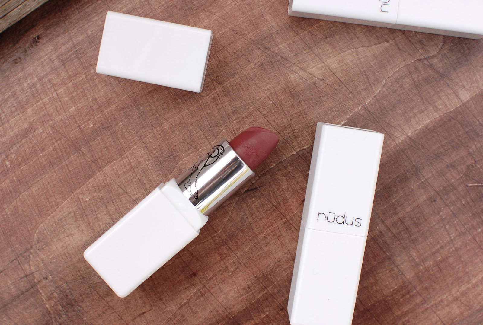 Nudus Lipstick 27 Kisses
