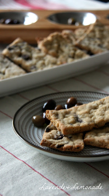 Make tasty Olive Crackers from scratch - so simple!